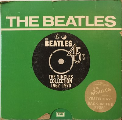 """Lot 7 - THE BEATLES - THE SINGLES COLLECTION 1962-1970 (24 x 7"""" BOX SET - 1970s RELEASE 'GREEN BOX'))"""