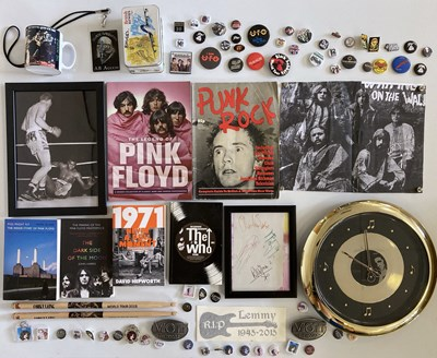 Lot 34 - ASSORTED ROCK COLLECTABLES INC BADGES.