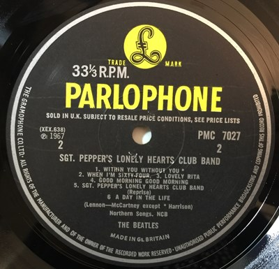 Lot 11 - THE BEATLES - SGT. PEPPER'S LONELY HEARTS CLUB BAND LPs (MONO ORIGINAL PLUS STEREO REISSUE)