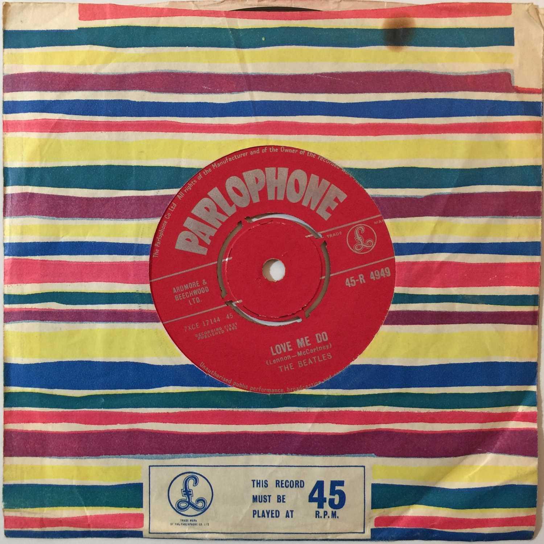 "Lot 14 - THE BEATLES - LOVE ME DO 7"" (ORIGINAL UK 'RED PARLOPHONE' 45-R 4949 - SUPERB COPY)"