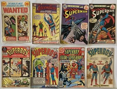 Lot 9 - SUPERMAN / SUPERBOY COMICS