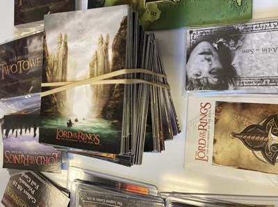 Lot 38 - LORD OF THE RINGS COLLECTABLES