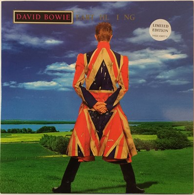 Lot 6 - DAVID BOWIE - EARTHLING - LP (74321 43077-1)