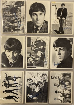 Lot 20 - BEATLES COLLECTORS CARDS AND POSTCARDS.