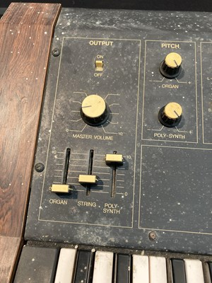 Lot 2 - Yamaha SK20 Synthesizer - 2