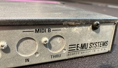Lot 8 - Studio Equipment - E-MU Mo'Phatt - lot 8