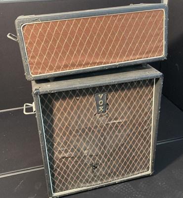Lot 30 - VOX V125 BASS AMPLIFIER AND SPEAKER